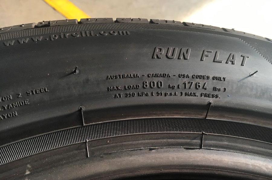 Lốp dự phòng và cảm biến áp suất lốp