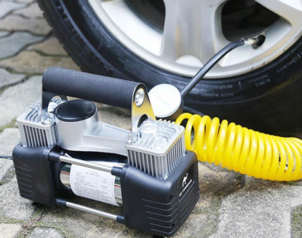 Bơm lốp ô tô mini