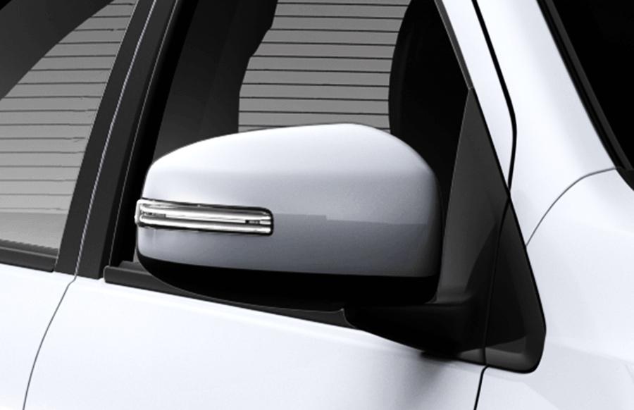 Gương chiếu hậu chỉnh điện & gập điện Gương chiếu hậu chỉnh điện được thiết kế lớn cùng chức năng gập điện giúp gia tăng tiện ích cho người sử dụng.