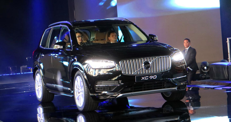 Volvo trieu hoi 438 xe nang cap phanh