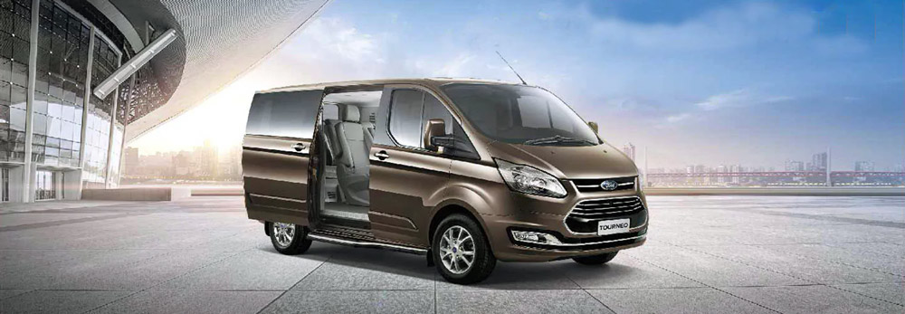 Ford Tourneo banner