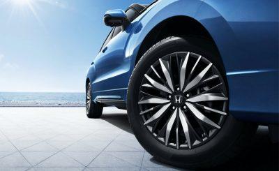 Honda ô tô Cần Thơ: Thay lốp tặng gối