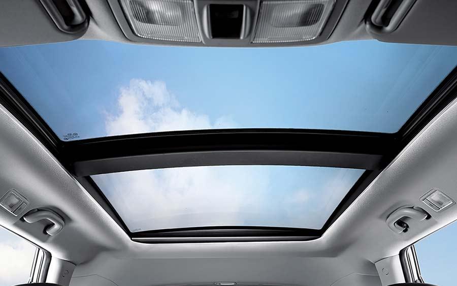 Cửa sổ trời trên xe