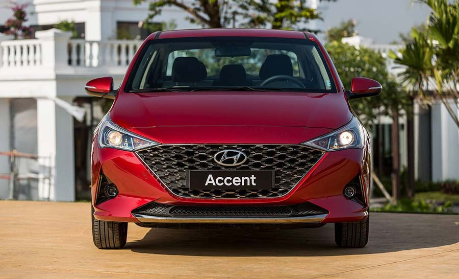 Accent với góc nhìn trực diện đầu xe