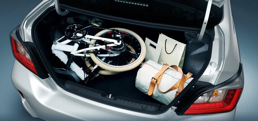 Khoang hành lý có thể tích lớn đến 450L tối đa hóa khả năng chuyên chở, đồng thời giúp việc sắp xếp đồ đạc, vật dụng trở nên tiện lợi và dễ dàng