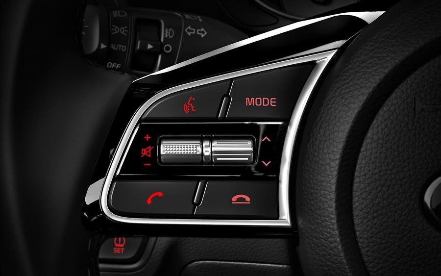 Điều khiển âm thanh trên vô lăng trên xe New Cerato