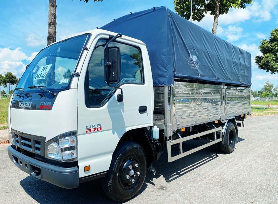 Xe tải Isuzu QKR 270 thùng khung mui bạc
